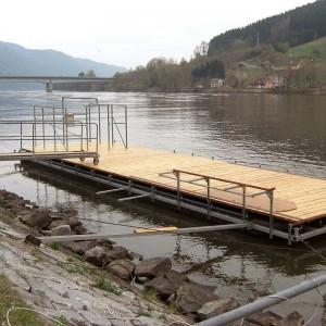 Plattform av pontoner