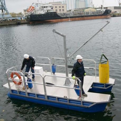 Arbetsflotte med ställning eller kran. Pontonbåt katamaran för ex. 4-hjuling